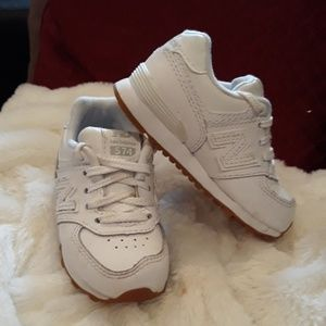 ac84ace475 New Balance 574 size 6 infants